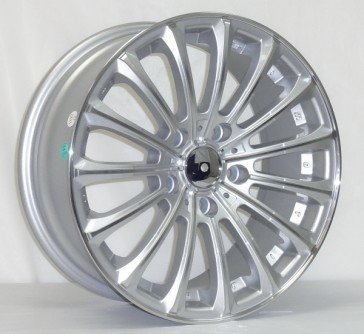 L223 15X6.5+35 5X114.3 C.B 67.1 SILVER MACHINE FACE & LIP